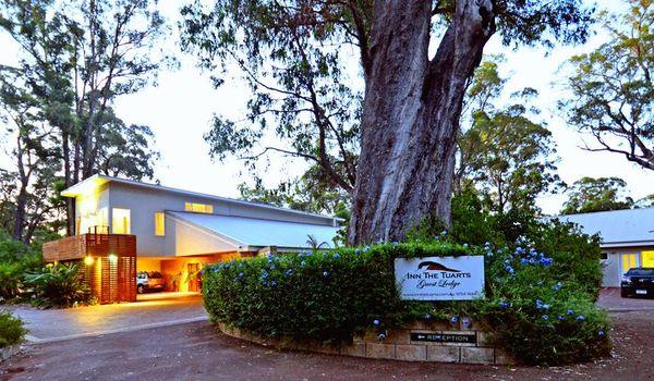 Inn The Tuarts Guest Lodge